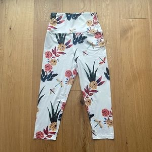 NEW SHEIN HIGH RISE FLORAL LEGGINGS - S